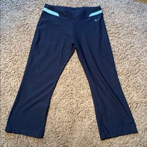 Nike Fit dry cropped flair workout pants M